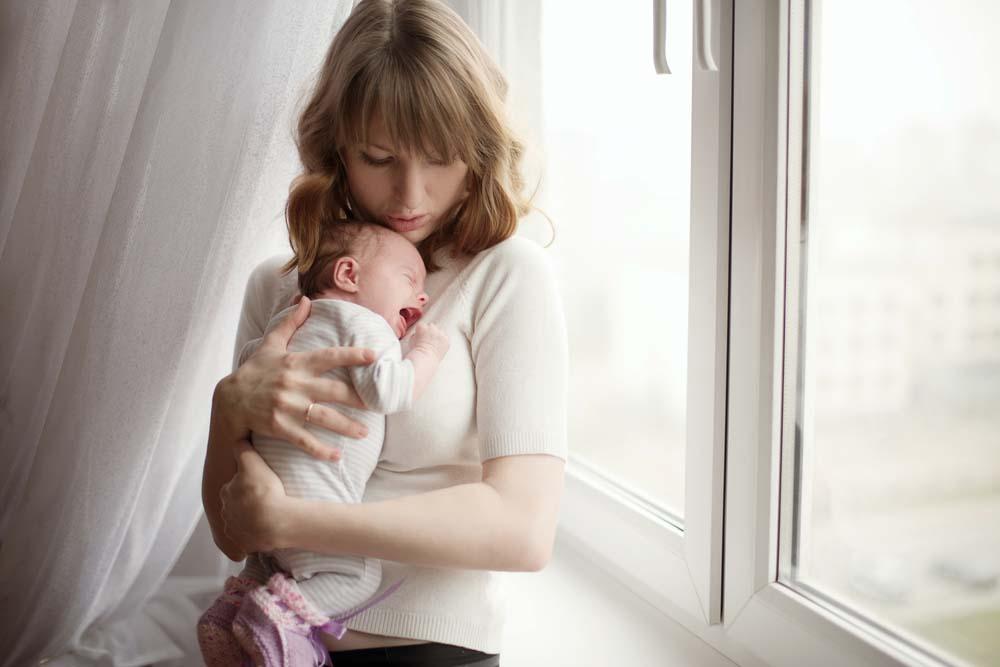 Rối loạn nội tiết tố sau sinh  các mẹ cần làm gì?